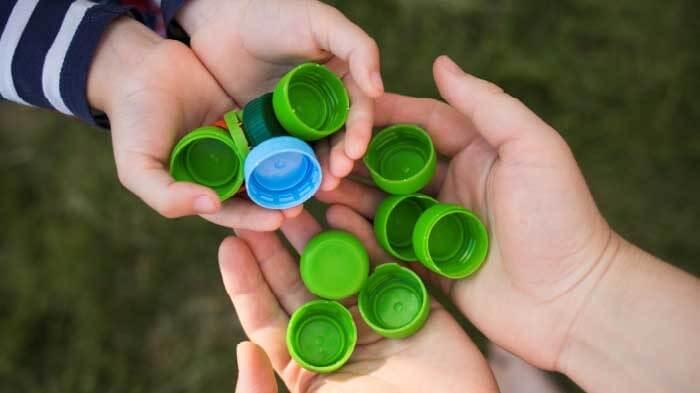 şişe kapakları ile matematik oyunu