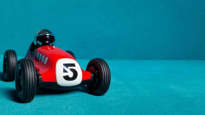 oyuncak arabalarla matematik oyunları